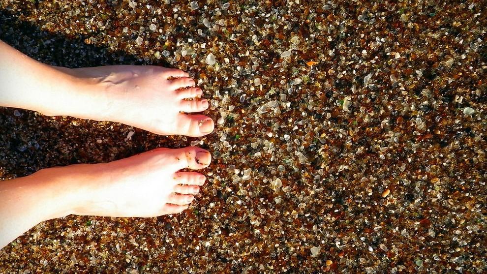 Стеклянный пляж Калифорнии фотографии